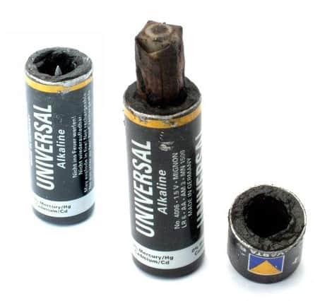 Pila alcalina de manganeso abierta curiosoando - Tipos de pilas alcalinas ...