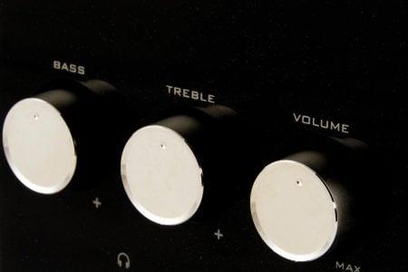 Potenciómetro en el control de volumen
