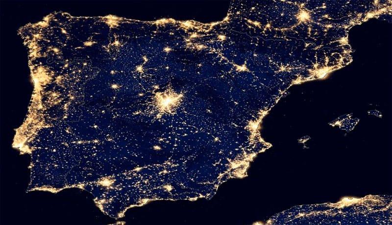 Ceres entra en erupcion Peninsula_iberica_luces_noche
