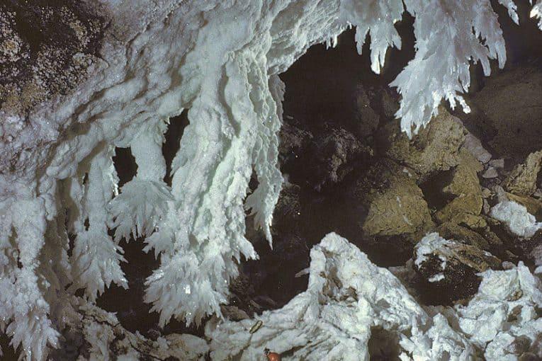 Estalactitas de yeso (Lechuguilla, USA)