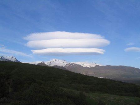 Nubes lenticulares en el Parque Nacional Skaftafell (Islandia)