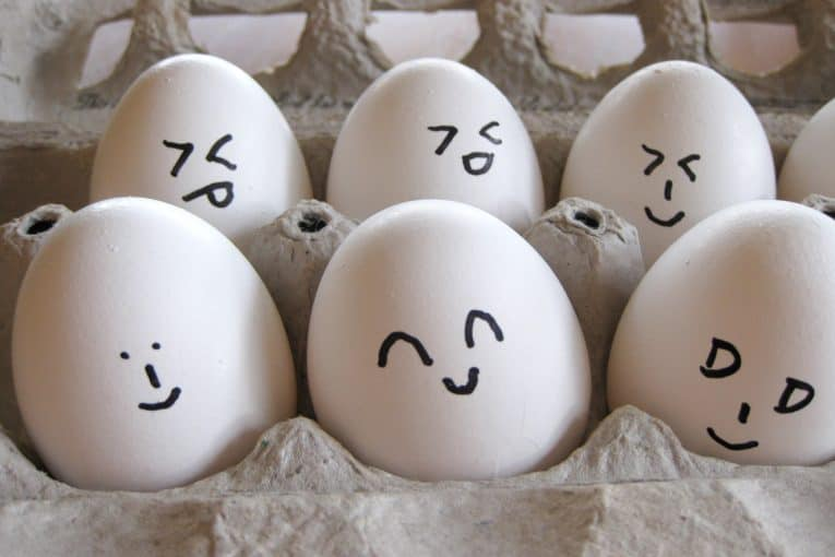 Emoti huevos
