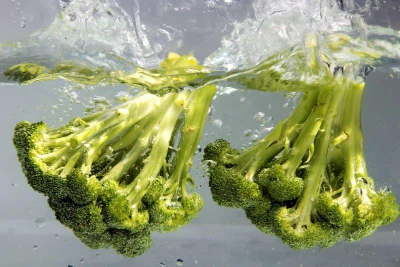 Brócoli en agua