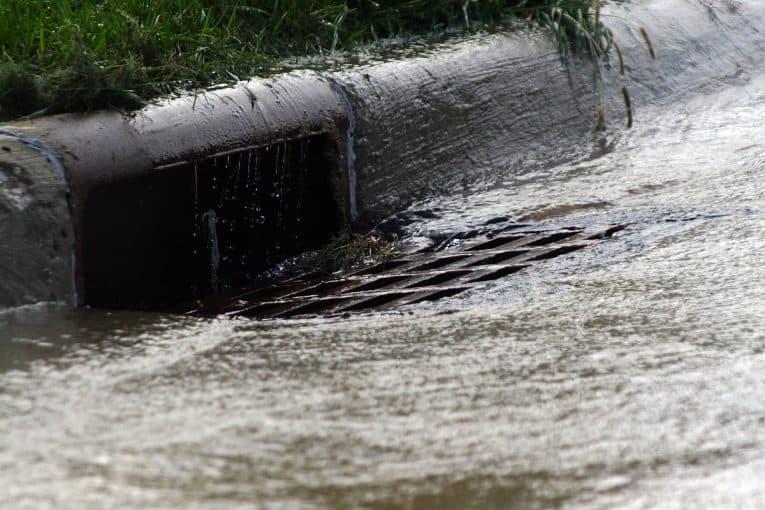 Drenaje agua de lluvia