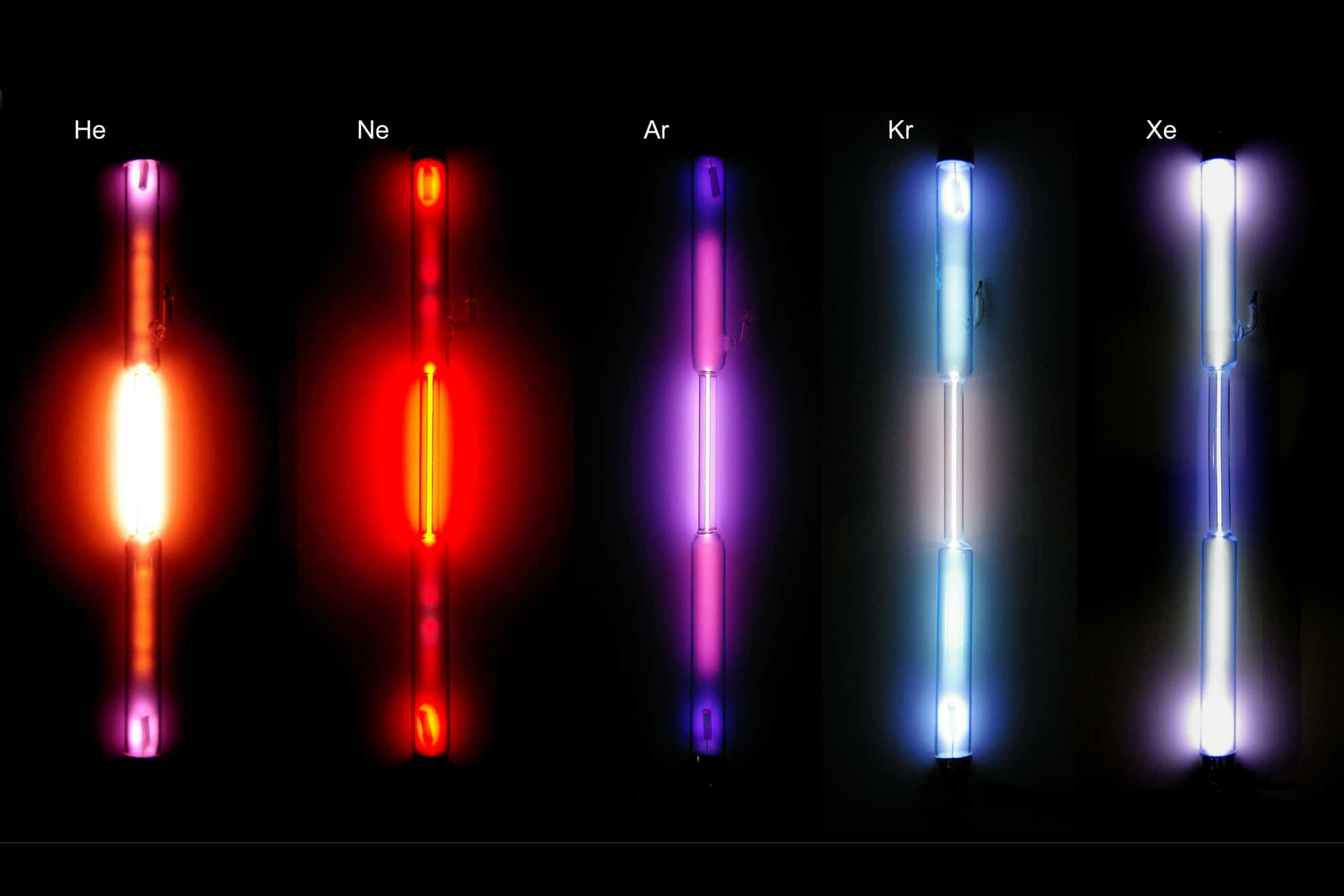 Qu propiedades tienen los gases nobles curiosoando los gases nobles son un grupo de elementos de la tabla peridica que se caracterizan en condiciones normales de presin y temperatura por ser gases urtaz Images