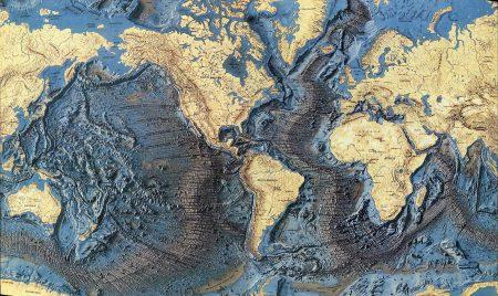Mapa de la topografía del suelo oceánico