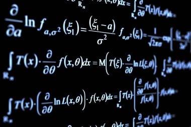 Pizarra con fórmulas matemáticas
