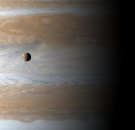Júpiter e Ío (sonda Cassini)