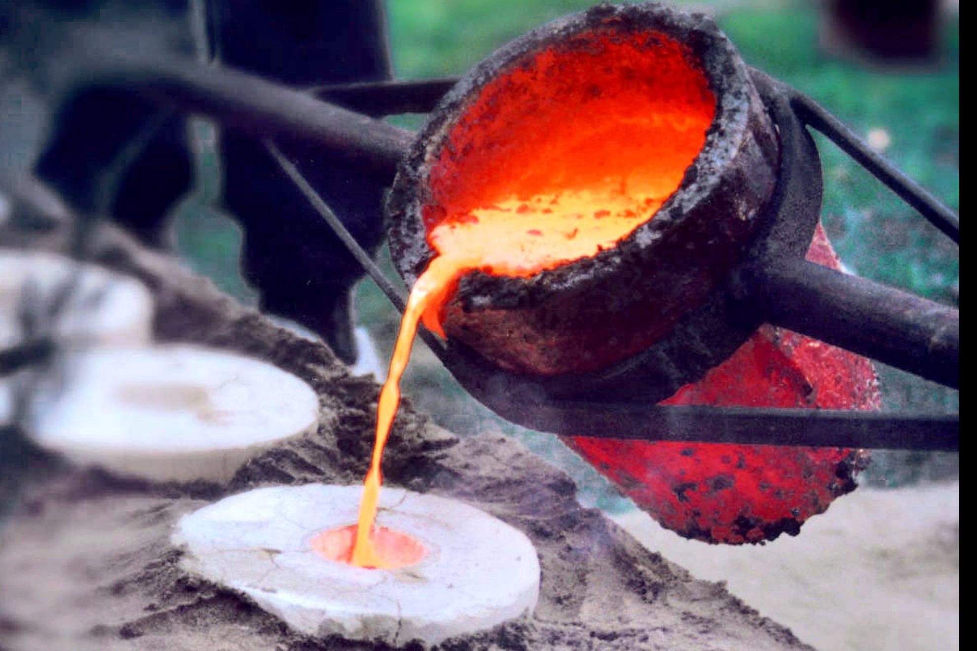 Bronce fundido a 1200 ºC